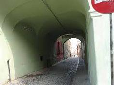 Imagini pentru pasajul scolii sibiu Arcade