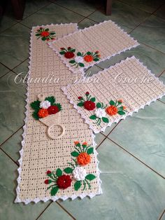Crochet Gifts - Crochet How to crochet doily Part 1 Crochet doily rug tutorial Crochet Cushion Cover, Crochet Cushions, Crochet Lace Scarf, Easy Crochet, Crochet Table Mat, Crochet Carpet, Coaster Design, Crochet Bookmarks, Crochet Home Decor