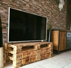 21 Erstaunliche Ideen von TV Tisch Holzpaletten Möbel