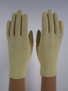 allsz -Vintage Webbed Light Yellow Gloves - 7-1/2 inches long(327g)