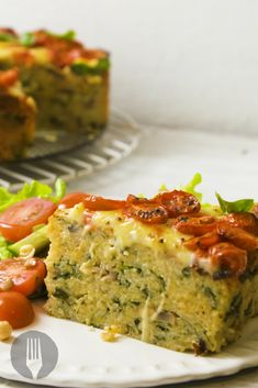 Spinach and Mushroom Cake. A creative and DELICIOUS way to use up leftover rice! Mushroom Cake, Leftover Rice, Vegan Recipes, Cooking Recipes, Spinach Stuffed Mushrooms, Best Food Ever, Rice Cakes, Vegetarian Food, Main Meals