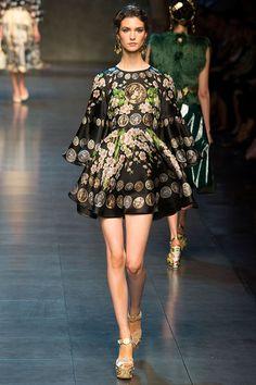 Spectacular Entertaining Events| Serafini Amelia| Garden Event Wedding| Dress the part wear-Dolce Gabbana - 2014