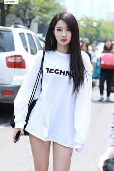 Kyungri // nine muses korean sweety asian beauty, beautiful asian girls 및 b Asian Fashion, Girl Fashion, Western Girl, Asia Girl, Cute Asian Girls, Beautiful Asian Women, Ulzzang Girl, Asian Woman, Kpop Girls