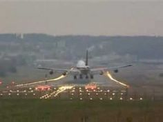 Video of airplanes: emphasizes need for vectors