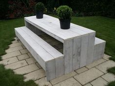 White Pallet Garden Bench