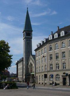 Kristkirken Vesterbro, Copenhagen Jeg er døbt /Viet og Michael er døbt der