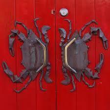 Red Door with Crab door handles Door Knobs And Knockers, Knobs And Handles, Knobs And Pulls, Door Handles, Door Pulls, Cool Doors, Unique Doors, Door Detail, Door Accessories