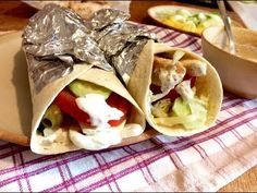 Kváskové lívance - YouTube Tacos, Food And Drink, Mexican, Ethnic Recipes, Party, Youtube, Parties, Youtubers, Mexicans
