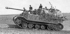 Porsche Panzerjäger Tiger Elefant - WWII Heavy Tank Destroy – Crew: 6 (Commander, Gunner, Two Loaders, Radio Operator and Driver)  Armament: 1 x 88mm Pak 32.2 L17 and 1 x 7.92mm MG 34 Machine Gun - 91 Built