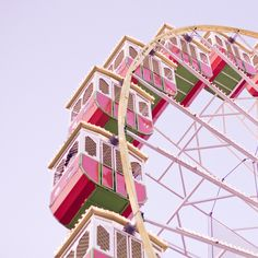 pink and green ferriswheel