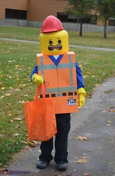 The Lego Movie Emmet - DIY Halloween Costume
