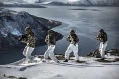 Norwegian KJK operatives exercising in Harstad Northern Norway. [5760x3840]