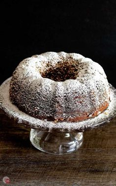 Louisiana Stranger Cake – World's Best Bundt Cake This moist and easy bundt cake is perfect for a last minute gift or dessert! The secret is in the batter! Brownie Desserts, Mini Desserts, Delicious Desserts, Holiday Desserts, Easy Desserts, Yummy Food, Tiramisu Dessert, Oreo Dessert, Cake Mix Recipes