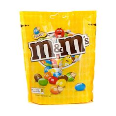 Peanut M& M's. I don't know why I keep buying those bags (about 4 little bags). I just can't stop eating them once the bag is open, just like Reese's pieces. Peanut and chocolate is a perfect match ! Fini Tubes, Fast Food Advertising, Chocolates, Airheads Candy, Peanut M&ms, Food Distributors, Fruit Chews, Snacking, Crunch Cereal