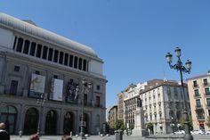 Palacio de la Opera desde la plaza de Isabel II