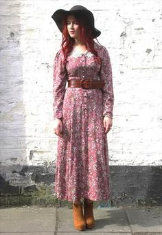 Vintage floral print midi dress by Laura Ashley Laura Ashley Vintage Dress, Ashley Clothes, Dedicated Follower Of Fashion, Vintage Pink, Vintage Style, Dress Shirts For Women, Clothes Horse, Modest Fashion, Evening Gowns