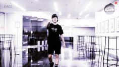 Park Jimin coming in a sexy way and then Kim Taehyung xD <3 ~ [BANGTAN BOMB] Nick Name T-shirts! (95z cam #1) Gif