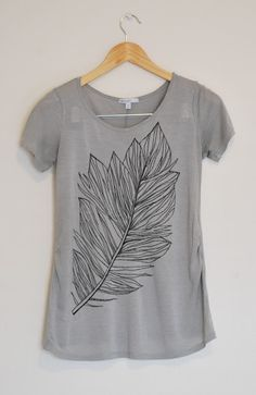 Merrick's Art // Style + Sewing for the Everyday Girl: Feather Tee (Tutorial) Unique design!!