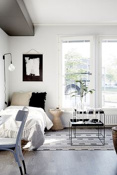 Helsinki- based interior designer and stylist Laura Seppänen recently got in touch with news of her latest project. Right up my alley in te...