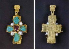 Front and back views of 1960s Robert Goossens for Chanel Pendant. From Jewelry by Chanel by Mauries