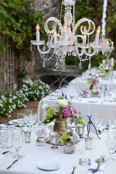 Simple garden tablescape #wedding #garden #tablescape #inspiration #details #decor