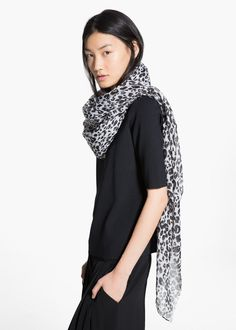 Animal print scarf with frayed edges. Mango Clothing, Animal Print Scarf, Womens Scarves, Clothes, Usa, Style, Fashion, Women's, Outfits