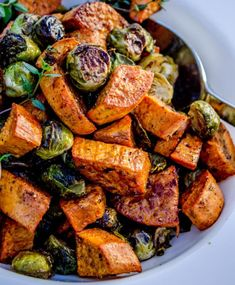 Add some greens into the mix too, and roasting them makes veggies the best. Get … Add some vegetables and roast it to make vegetables taste the best. Get this Roasted sweet potatoes and Brussels sprouts Recipe! Vegetarian Recipes, Cooking Recipes, Healthy Recipes, Vegetarian Grilling, Healthy Grilling, Grilling Recipes, Barbecue Recipes, Barbecue Sauce, Simple Recipes
