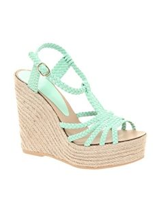 Mint shoes. Love mint.