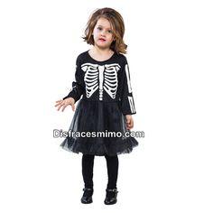 Tu mejor disfraz esqueleto para niña.Este original disfraz de Esqueleto para niña aterrarás a los asistentes a Fiestas de Disfraces, Halloween o Carnavales. Ahora sólo falta que tú le des ese toque especial con tu ritmo de muerte.
