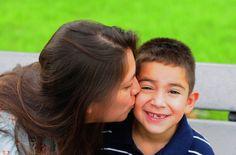 Os elogios são uma das ferramentas mais poderosas que os pais podem usar para incentivar o bom comportamento e a auto-estima nas crianças. Um elogio pode ser uma palavra, um gesto, um sorriso que proporciona à criança um sentimento de bem estar e que mostra que você aprova o seu comportamento. Como adultos, todos nós …