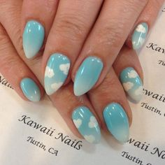 What comes into your mind when you say The Fault in Our Stars? Clouds, yes. If you're a fan of the movie or of the clouds then this little fluffy piece is perfect for you! a little gradient painted on the nails to show the sky as it transitions from clouds towards the atmosphere. The little dabs of clouds help make everything look cute and cuddly.