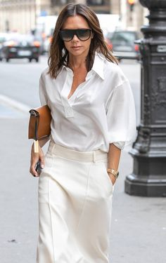 Monochrome style inspiration from Victoria Beckham Style Victoria Beckham, Victoria Beckham Outfits, Mode Outfits, Trendy Outfits, Fashion Outfits, Womens Fashion, Woman Outfits, Style Fashion, Monochrome Fashion