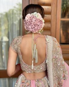 C) Ritikahairstylist   Floral bridal hairstyle for Indian Brides   Bridal Bun hairstyle   #wittyvows #bridesofwittyvows #floralbun #bunhairstyle #bridalhairdo #indianbride #Indianwedding Pakistani Bridal Hairstyles, Bride Hairstyles, Hairstyle Ideas, Hair Ideas, Bridal Hair Buns, Bridal Hairdo, Indian Bridal Photos, Floral, Brides