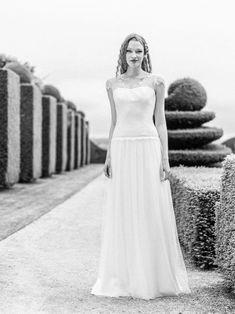 Les robes de mariée - Lambert Créations - Collection 2016 | Modèle :  St Germain | Crédits : Lambert Créations | Donne-moi ta main - Blog mariage #RobesDeMariée #mariage #Mariée #Bride #Bohème #WeddingDresses #Blanc #collection2016
