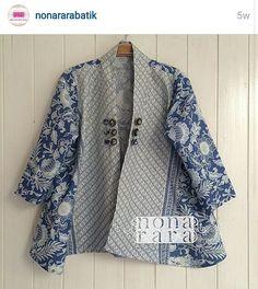 Batik Indonesia More Batik Blazer, Blouse Batik, Batik Dress, Batik Fashion, Ethnic Fashion, Womens Fashion, Mode Batik, Batik Kebaya, Diy Kleidung