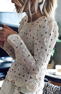 Diy Crafts - Beautiful,Blouse-CUFER with artistic handicrafts: Beautiful crochet blouse, artistic Beautiful Blouse crochet CUFER handicrafts Irish Crochet, Crochet Lace, Crochet Stitches, Crochet Patterns, Crochet Birds, Crochet Bear, Crochet Animals, Crochet Doilies, Gilet Crochet