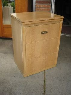 UHURU FURNITURE & COLLECTIBLES: SOLD - Universal Sewing Machine + Cabinet - $120