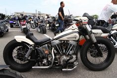 Harley-Davidson FLH Duo Glide Panhead | Japan