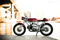 Bill Becker's restored Aermacchi Sprint is inspired by the racing motorcycles of the 1960s. Antique Motorcycles, Custom Motorcycles, Custom Bikes, Racing Motorcycles, Cafe Bike, Cafe Racer Motorcycle, Motorcycle Garage, Harley Davidson Street, Cool Bikes