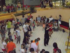 y mientras tanto los Bailes Latinos seguían a tope.