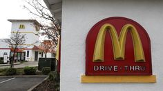 """#MCDONALD""""s #worker threw sausage biscuit at man""""s head during extra #ice argument..."""