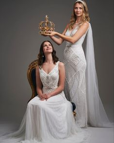 Fantastic Pictures Bridal Boutique mirror Popular Their tricky realize to anticipate when you go to a wedding gown boutique. Your browsing experience Gatsby Wedding Dress, Stunning Wedding Dresses, Beautiful Dresses, Wedding Outfits, Contemporary Dresses, Royal Dresses, Vintage Inspired Dresses, Dress Images, Bridal Boutique