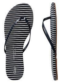 800f1564c266c0 Printed flip flops Gap Shoes