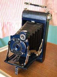 BLUE Kodak Junior, Love old vintage cameras.