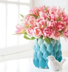 Aren't you looking for fun DIY plastic spoon craft projects? In this article, we will show you some DIY projects about plastic spoons. Plastic spoons are more than just utensils. With a few plastic spoons, Plastic Spoon Crafts, Plastic Spoons, Plastic Ware, Diy Flowers, Flower Vases, Flower Crafts, Summer Flowers, Fresh Flowers, Spoon Flower