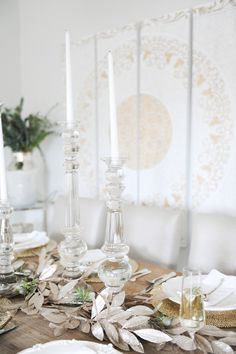 Serene gold and white #tablescape