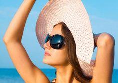 """هذا هو الوقت الأنسب لـ ''حمام الشمس'' - يتيمز حمام الشمس بالعديد من الفوائد الصحية خاصة إذا ما تم الحصول عليه في الوقت المناسب وذلك بحسب أحدث دراسة أجريت مؤخرا وذكر موقع """"روسيا اليوم"""" أن دراسة أجراها علماء إسبان حددت الوقت الأمثل لأخذ حمام الشمس. واتبع العلماء طريقة لتحديد الوقت الأنسب من خلال قياس أفضل كمية فيتامين """"د"""" ينتجها جلد الإنسان تحت تأثير ضوء الشمس وقت النهار ونصحت الدراسة بأن يكون الإنسان تحت تأثير أشعة الشمس في يناير مدة 20 دقيقة بحيث يكشف ما لا يقل عن 10% من مساحة جسمه وفي أبريل…"""
