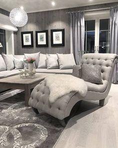 Bygget drømmehuset fra Fiskarhedenvillan Living Room Inspiration, Couch, Sofa, Interior Design Living Room, Furniture, Home Decor, Decor Ideas, Wall, Settee