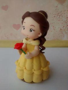 Topo de Bolo da Princesa Bela em biscuit  Peça com aprox. 12 cm de altura