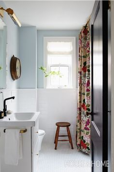 House & Home wall colour, Borrowed Light Farrow & Ball / Vanity, sink, towel, Ikea. Mold In Bathroom, Zen Bathroom, New Bathroom Ideas, Family Bathroom, Budget Bathroom, Bathroom Wall Decor, Bathroom Colors, Bathroom Shower Curtains, Bathroom Inspiration